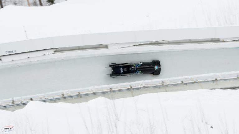 how fast does a bobsleigh go